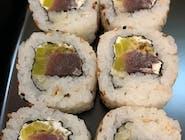 uramaki z tuńczykiem