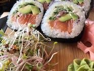 futomaki z avocado i łososiem 6szt.