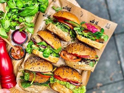 TABLE FOR 2! - 2 x Burger Classic + 2 x ziemniaczki z sosem aioli