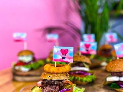 Box - 24 mini burgery + dodatki
