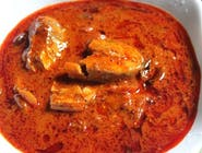 28. Lekko ostra ryba curry