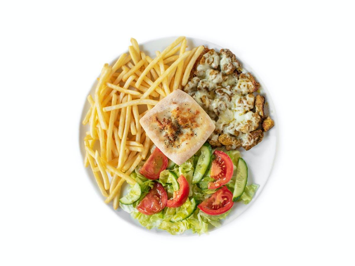 4.Shoarma wieprzowa z serem , frytkami lub ziemniaczkami zapiekanymi i sałatką ze świeżych warzyw
