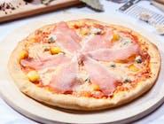 Pizza Quattro Formaggi con crudo