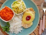 Kurczak po hawajsku (filet z kurczaka zapiekany z ananasem, żółtym serem+żurawina)