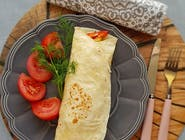 Tortilla vega z serem feta / sos czosnkowy