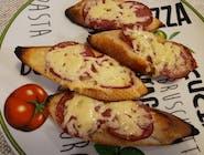 PR3 Pieczywo czosnkowe z serem , salami peperoni 4 szt.