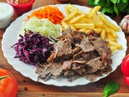 Doner kebab na talerzu standard