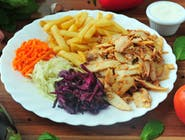 Doner kebab na talerzu duży