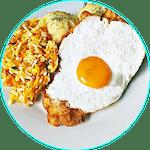 Sznycel drobiowy z jajkiem sadzonym