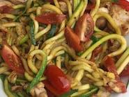 Spagetti z cukinii i pomidorów