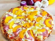 Pizza Tropicana - Ser Mozzarella, Sos pomidorowy, Szynka, Ananas, Brzoskwinia, Oregano