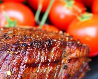 Polędwica wołowa czyli Nasz sezonowany steak na puree ziemniaczanym...