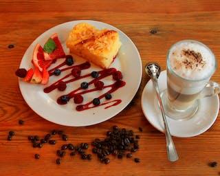 A może coś słodkiego i caffe latte?