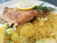 danie dnia ryba MIRUNA smażona w panierce,ziemniaki,surówka z kiszonej kapusty