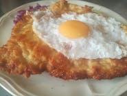 Kotlet schabowy z jajkiem sadzonym