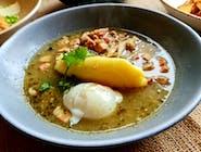 Żur wielkopolski z boczniakami, puree i jajem sous-vide
