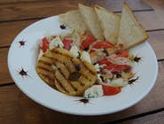 Sałatka z  grillowanym kurczakiem i ananasem