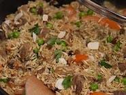 Ryż rozmaitości z wieprzowiną
