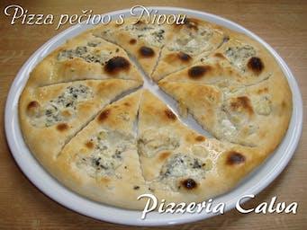 Pizza pečivo s Nivou
