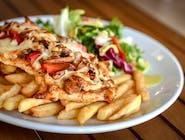 Grillowana pierś z kurczaka pod emulsją pomidorową, smażonymi pieczarkami i papryką zapiekana pod serem mozzarella