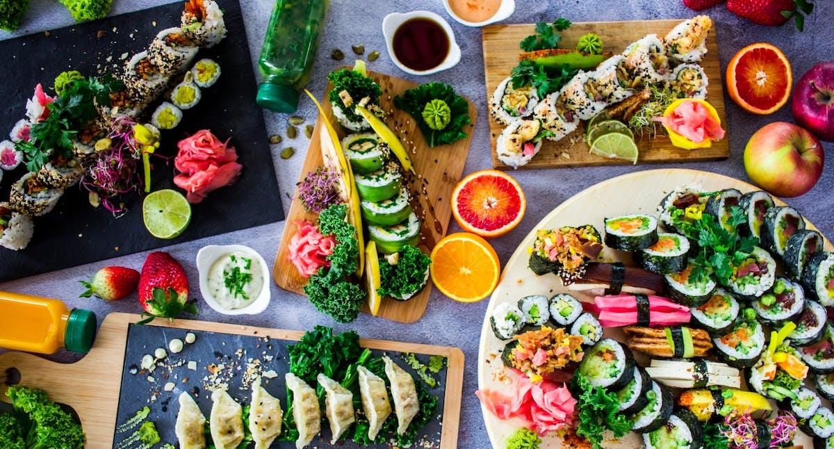 Małe wegańskie zestawy sushi
