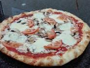 28. Pizza Mozzarella špeciál (1,7) 550g