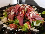 Salata sa dimljenom tunom