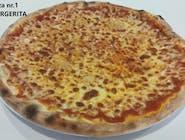 27. Skomponuj swoją pizzę (margherita + 5 dowolnych składników)