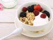 Granola z jogurtem