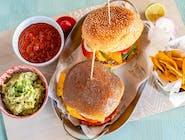 MIĘSNY nr 2 - PULLED PORK (szarpana wieprzowina), bułka burgerowa, ser, cebula, pomidor, ogórek kiszony,