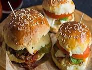 BeefBurger 100% z frytkami bułki i kotlet własna produkcja