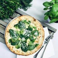 Trzecia i kolejna średnia pizza