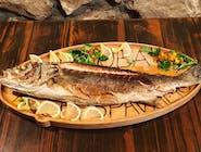 Svježa prvoklasna riba s grilla