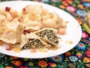 Pierogi ze szpinakiem, serem i czosnkiem