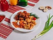 Frykadelki w sosie z ziemniakami wiejskimi