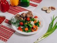 Frykadelki smażone z warzywami gotowanymi