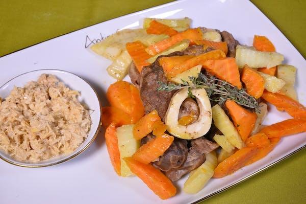 Rasol de vită cu legume și hrean