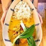 Mango z curry i ryżem basmati