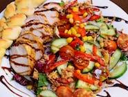 3. Sałatka z kurczakiem pieczonym w piecu