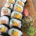 futomaki z mango i łososiem teriyaki 6szt.