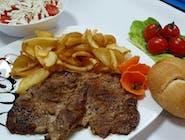 Ceafă de porc la grătar + garnitură + salată + chiflă