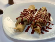 Clătite cu dulceață de vișine, căpșuni