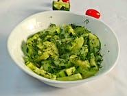 Salată de castraveți cu mărar