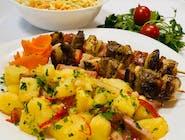 Frigărui asortate + garnitură + salată + chiflă