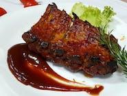 Coaste de porc in sos BBQ