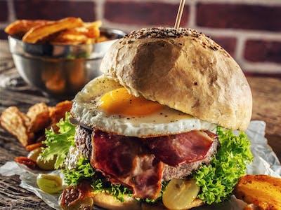 Všehochuť burger