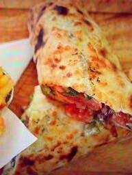 Kebab z warzywami w ciescie pizza (Baguette Farcie)