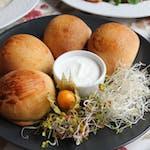 Pierogi z pieca faszerowane : szpinakiem, serem wędzonym, pieczarkami, soczewicą czerwoną 3szt