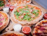 3 pizze 30 cm +  3 sosy + napój 0,85