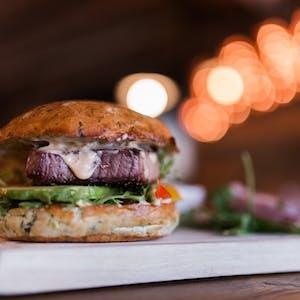 Fishburger z grillowanym tuńczykiem